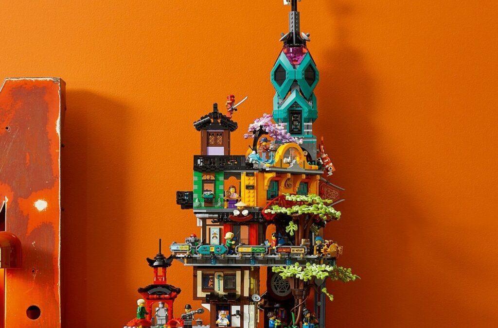 LEGO-71741-Ninjago-City-Gardens-front