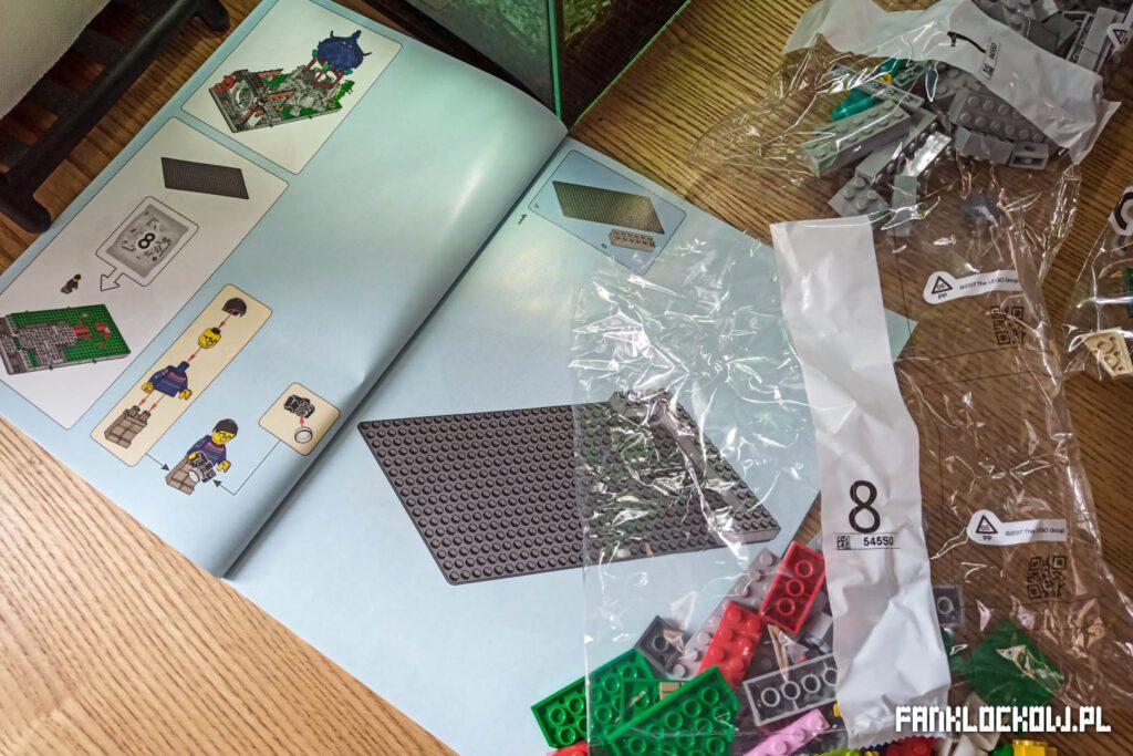 LEGO Chińskie święto latarni - budowa mniejszej części