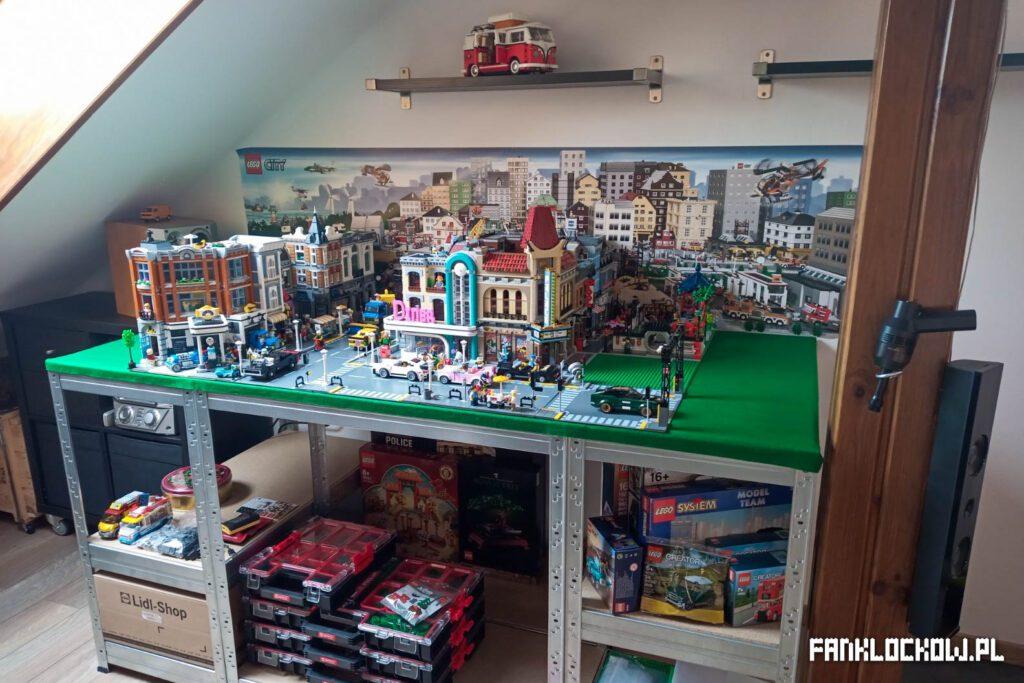 Budowa makiet LEGO - skończony stół
