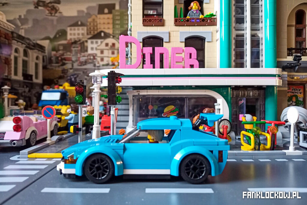 LEGO 60285 na makiecie
